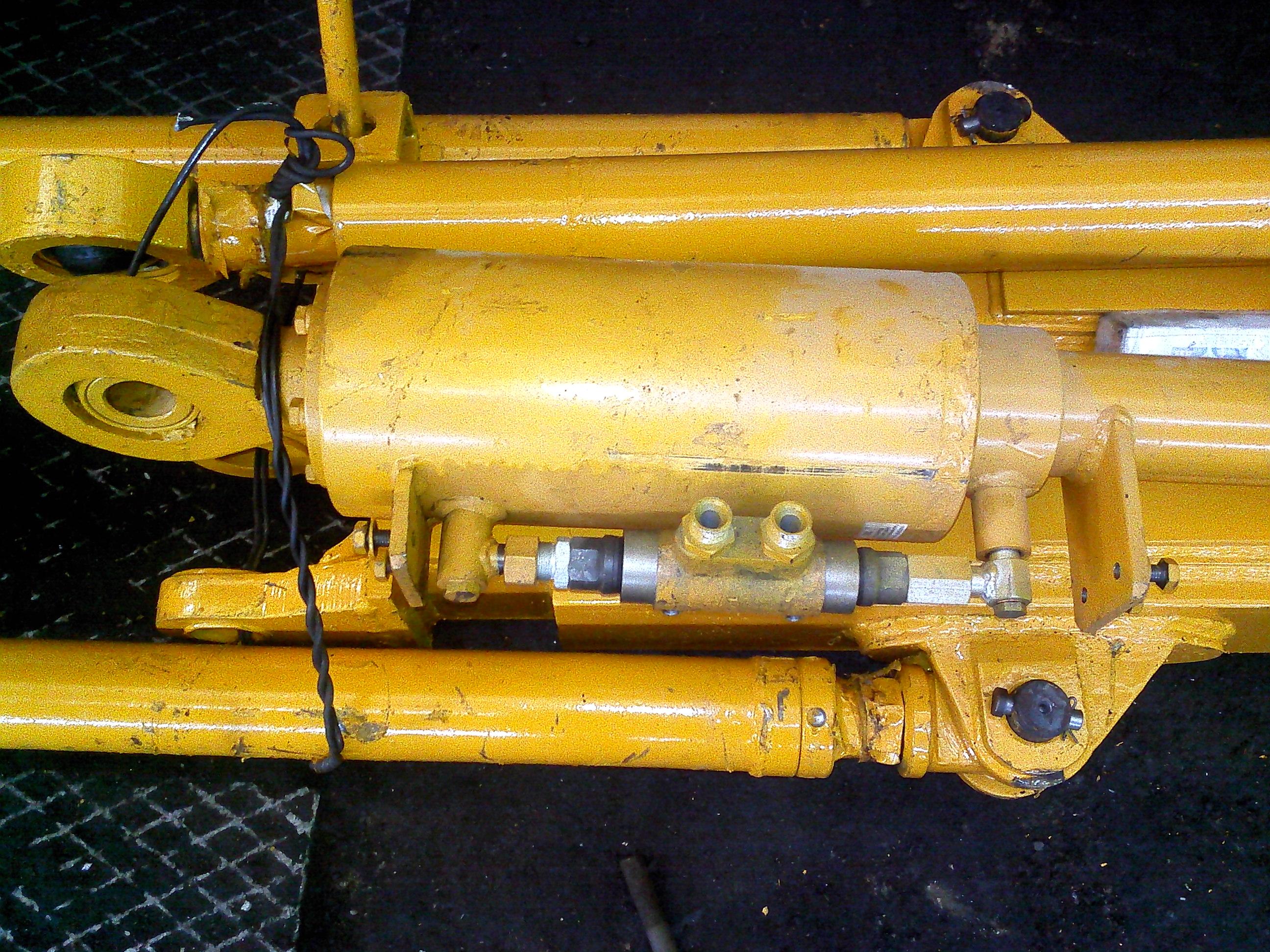 Продаем 50-50-221СП Гидроцилиндр перекоса с гидрозамком в Челябинске